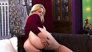 Big Booty Blonde Mom Has Solo Fun With A Dildo