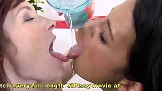 Extremely Hot Teen Lesbian Peeing Porn