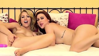 Karlie Seduces Her Girlfriend Zoey For An Intense Lesbian Experience