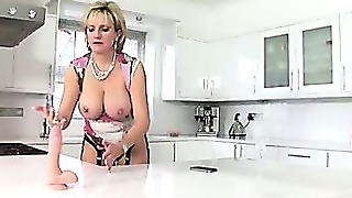 Slutty Mature Lady Sonia Gets Nasty