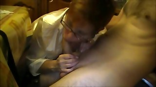 Amateur Milf With Glasses Dicksucking