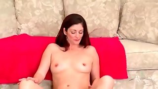 Solo Brunette Mom With Curves Models Pussy