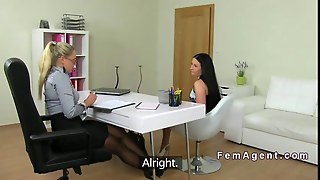 Lesbians Licking To Orgasm On Casting