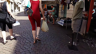 Tall Big Booty In Candid Footage