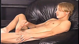 Beautiful Blonde Dude Gets Turned On And Gives Himself A Hand Job