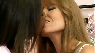 Darla Crane And Wendy Breeze
