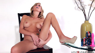 Brett Rossi Cums Uncontrollably