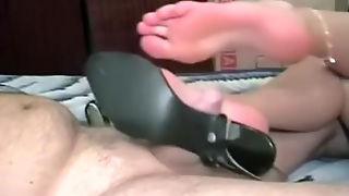 Homemade Footjob Ends With Cumshot