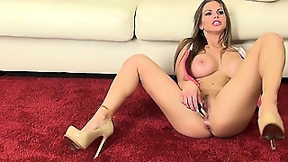 Rachel Reveals Her Wonderful Big Tits And Fabulous Ass While Playing With Her Cunt
