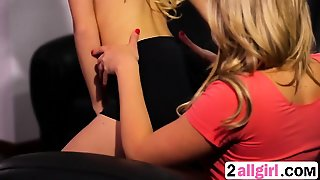 Mia Malkova And Friend Licking Pussies And Kissing