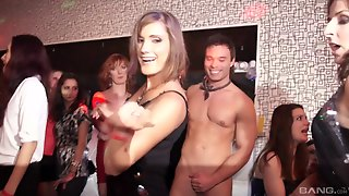 Beautiful Porn Hotties Gets Pussy Screwed Raw In Nasty Group Orgy