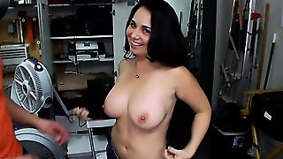 Amateur Babe With Bigtits