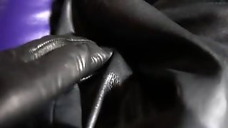 Leather Pleasure3