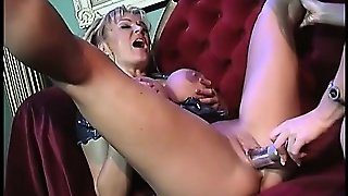 Blonde Bombshells Tanya Danielle And Sadie Sexton Make Each Other Cum