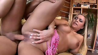 Xy Sharing Girfriendl In Pink Two Dicks Hd