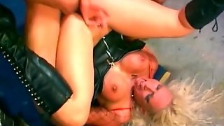 Nicki Hunter In Leather Does A Dp