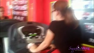Sapphire Young Goes To The Gym
