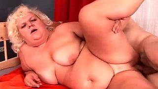 Mature Bbw Fucked In Shaved Pussy From Behind