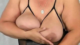 Busty Fat Mom Masturbating