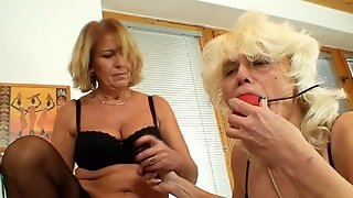 Naughty Moms In A Nasty Lesbian Show