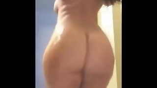 Thick Booty Making It Clap