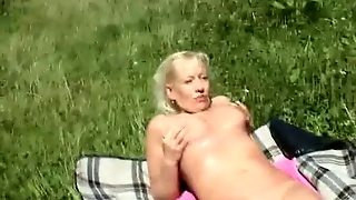 Amateur - Blond Mature Outdoor Mmf Threesome Cim Facials