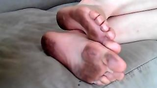Dirty Foot Fetish & Beautiful Dirty Feet