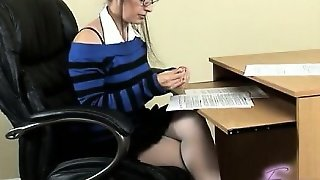 Young Model Extreme Orgasm