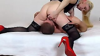 High Heels Madam Maya Bushy Muff Facesitting