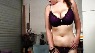 Big Boobs Babe Fucked On Her Huge Tits