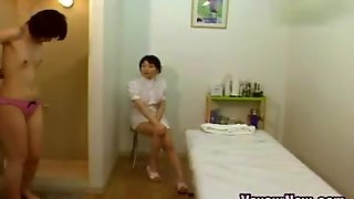 Japanese Cutie Gets Off During A Massage