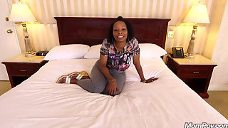 Xxx Mom Pov Deja Ebony First Scene