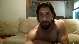 Muscle Bearded Stud Cums On Cam