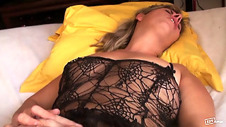 French Mature - Mona In A Gangbang