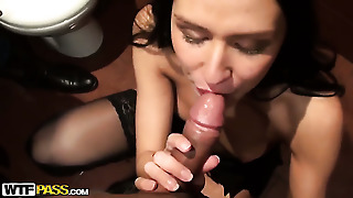 Brunette Elizabeth Shows Off Her Hot Body As She Gets Her Mouth Fucked By Mans Stiff Schlong