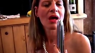 Mature Amateur Swinger Has A Wank