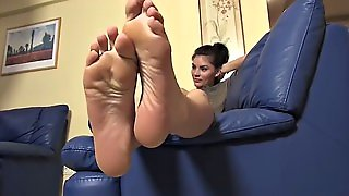 Foot Fetish & Foot Model Ariana