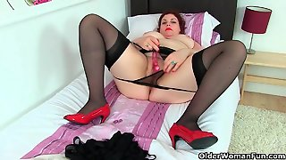 My Favourite Next Door Milfs From The Uk: Samantha, Foxy And Summer 2