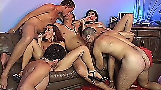 A Sexy Group Was Enjoying Extreme Hardcore Sex
