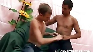 Gay Bottom Gives Blowjob