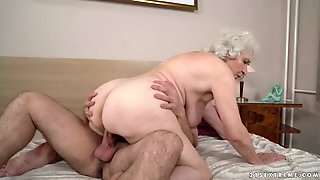 This Granny Loves The Way That Cock Feels Inside Of Her And She Is So Horny