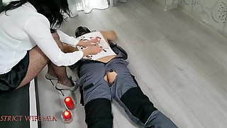 Strict Wife Mia And The Hot Wax On The Slave Back
