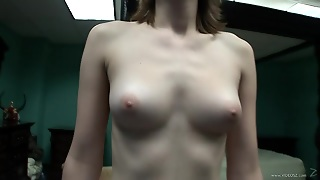 Desirable Solo Model With Natural Tits In A Hot Closeup