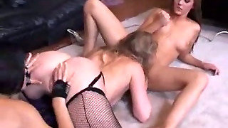 Rebeca Linares And Sunny Lane And Charlie Laine - Pussy Party 18