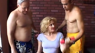 Milf Wife, Mother Threesome, Mother Milf, Cougar Mature, Sexy Milfs, Housewife Milf, Mom And Mature, Threesome With Mature