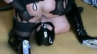 Fatty German Mistress Facesitting