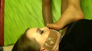 Bondaged Girls Gets Feet Smelling Lesson