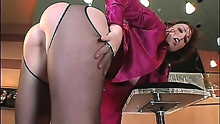 Precious Mature Babe Aimee Boasts With Her Fat Ass And Wet Pussy