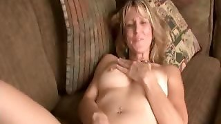 Horny Amateur Anilos Cougar Berkley Strokes Her Pink Mature