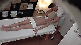 Oily Czech Slut Gets Dicked On The Massage Table